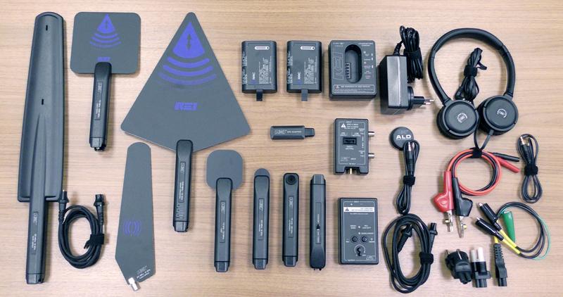 Вид на полный комплет портативного анализатора спектра Mesa